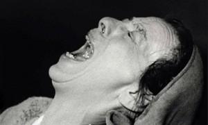 Helene Weigel en la Madre Coraje de Brecht