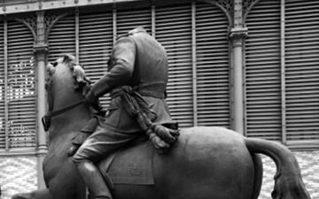 El derribo de la estatua decapitada de Francisco Franco en el Born: Organización simbólica y cambio histórico
